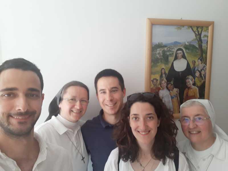 Nekoliko mladih, bivših učenika iz Zagreba koje su od ranog djetinjstva kroz dječji zbor i iskustvo animatora odgojile naše sestre u salezijanskom duhu, posjetili su zajednicu KMP u Rijeci.